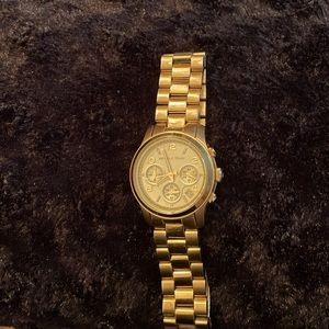 Michael Kors gold watch- model 5055